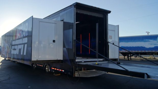 Double Expanding Trailer With Rooftop Deck Vehicles