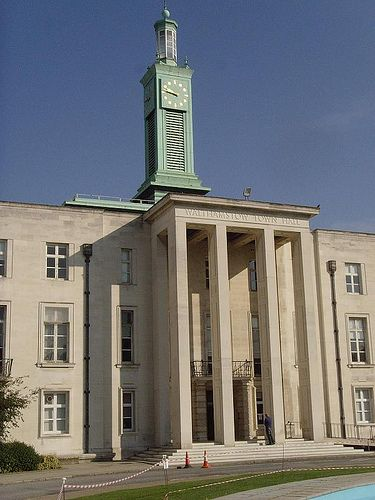 Walthamstow Town Hall 1937-42:...