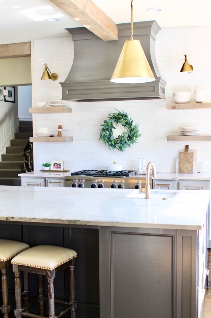 6 Tips on How to Decorate after the Holidays//kitchen decor//home decor//how to decorate after Christmas//www.curlsandcashmere.com