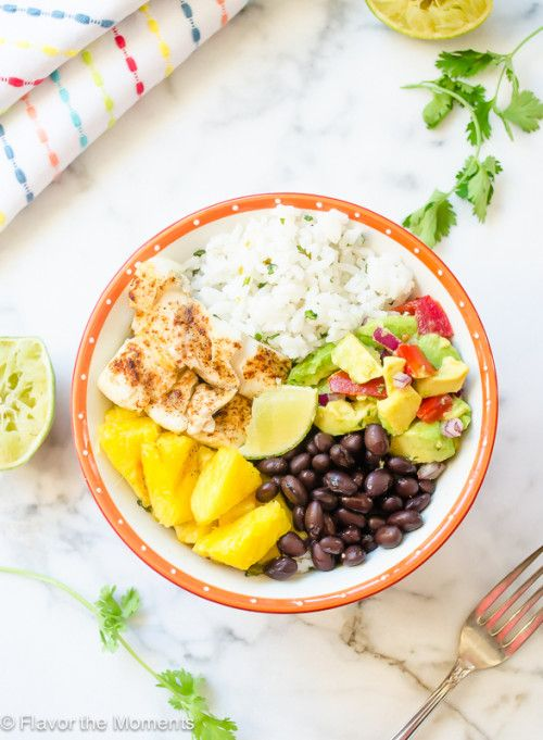Fish Taco Bowls with Cilantro Lime Rice and Grilled Pineapple | Simply delicious and a must-try recipe!