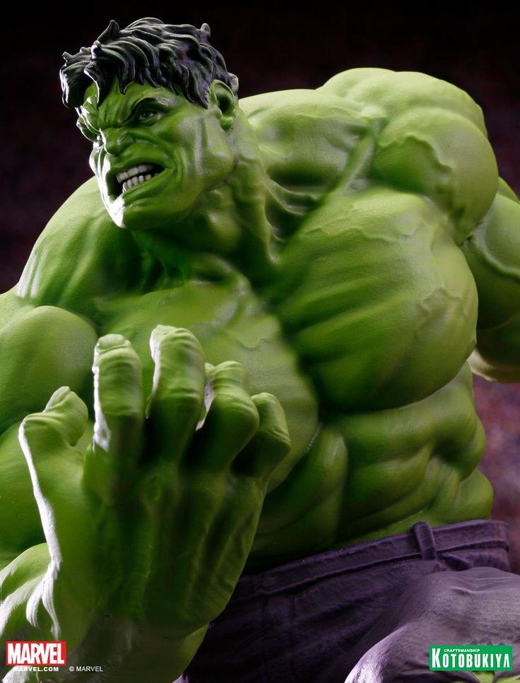 Marvel Comics Hulk Classic Avengers Fine Art Statue 10