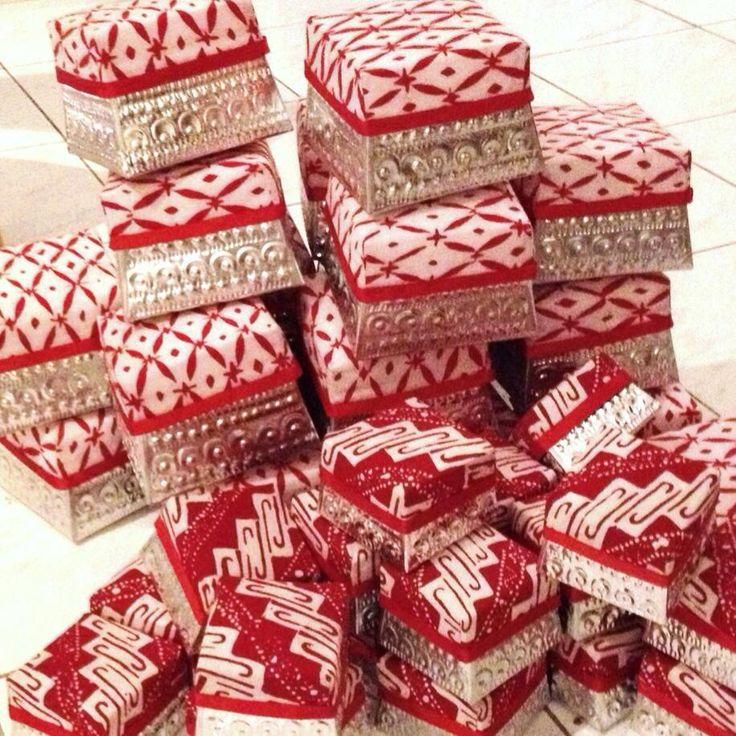 Xmas Gift Box, By Tan Living.