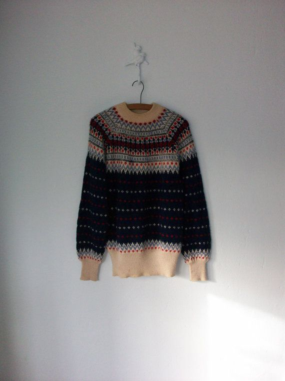 Wool Fairisle Sweater ... Cozy Nordic Knit Pullover ... Medium / Large. I wants.
