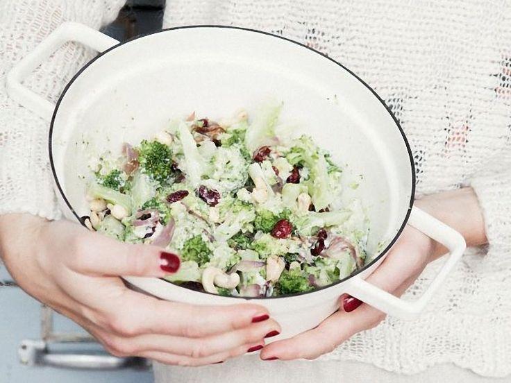 DIY-Anleitung: Brokkoli-Salat mit Cranberries selber machen via DaWanda.com