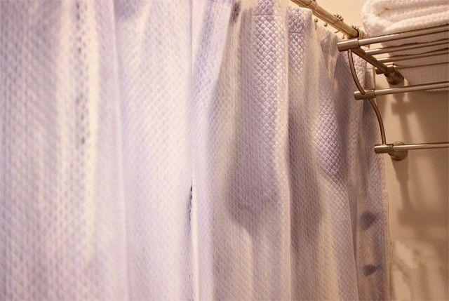 Уход за шторкой в ванной: чистый и безопасный дом 0