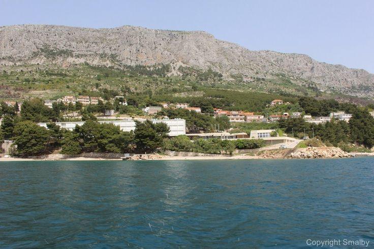 Ruskamen ist ein teil von Lokva Rogoznica auf der Omis Riviera, In Ruskamen findet man die Ferienanlage Sagita