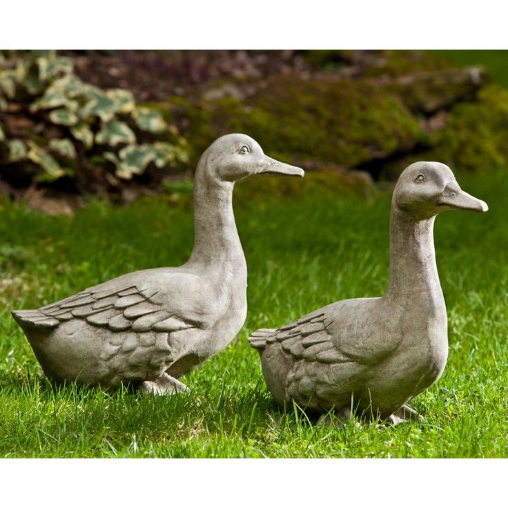 Campania International Quackers Ducks Cast Stone Garden Statue Animals In  The Front Near A Fountain