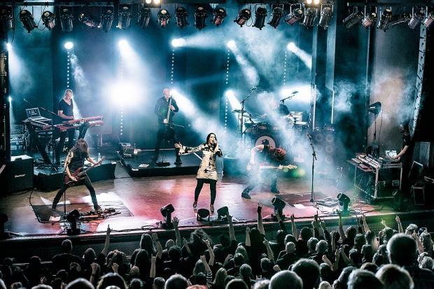 Tarja Turunen and her band: Alex Scholpp, Max Lilja, Tim Shreiner, Kevin Chown and Christian Kretschmar live at Hamburg Docks, Germany. The Shadow Shows, 08/10/2016 #tarja #tarjaturunen #theshadowshows #tarjalive PH: Jeff Kahra Photography https://www.facebook.com/jeffkahraphotography/ for Rockzene https://www.rockszene.de/