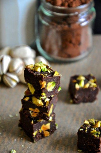 chocolate pistachio freezer fudge // grain-free, gluten-free, dairy-free, raw…