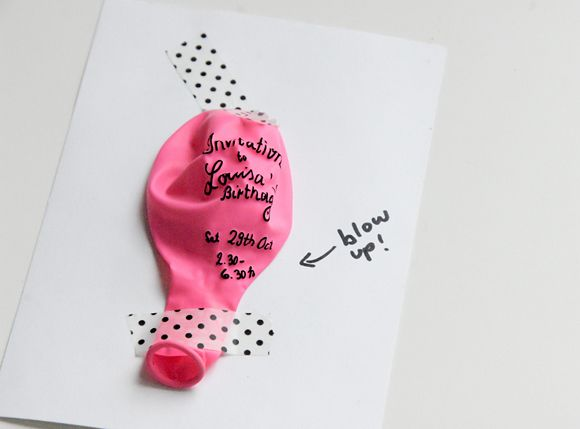 DiY : invitation ballon par Funky time / original, invitation, anniversaire enfant, ballon, rose, masking tape