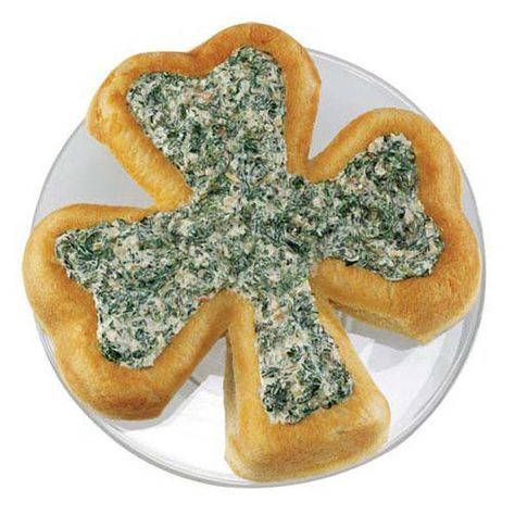 Better than kissin' the Blarney Stone, this Shamrock-shaped bread mold celebrates St. Patrick's Day. Bake it in the Shamrock Pan, and then fill it with spinach dip.