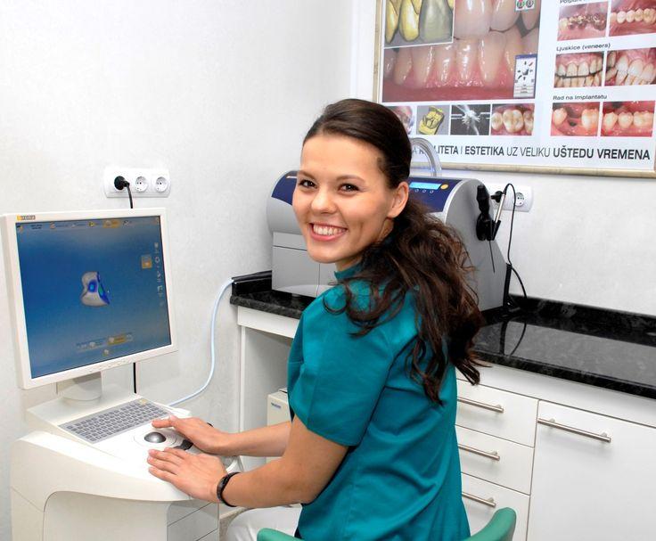Marijana Gikić, dr.med.dent. Rođena  05. veljače 1988. u Bihaću, Bosna i Hercegovina. Osnovnu školu, kao i srednju zubotehničku školu pohađa u Zagrebu. Postiže odličan uspjeh kroz sve godine školovanja. 2005. godine upisuje Stomatološki fakultet u Zagrebu na kojem je diplomirala 5.srpnja 2012. Iste godine nastavlja obrazovanje upisom na  poslijediplomski doktorski studij Dentalna medicina.