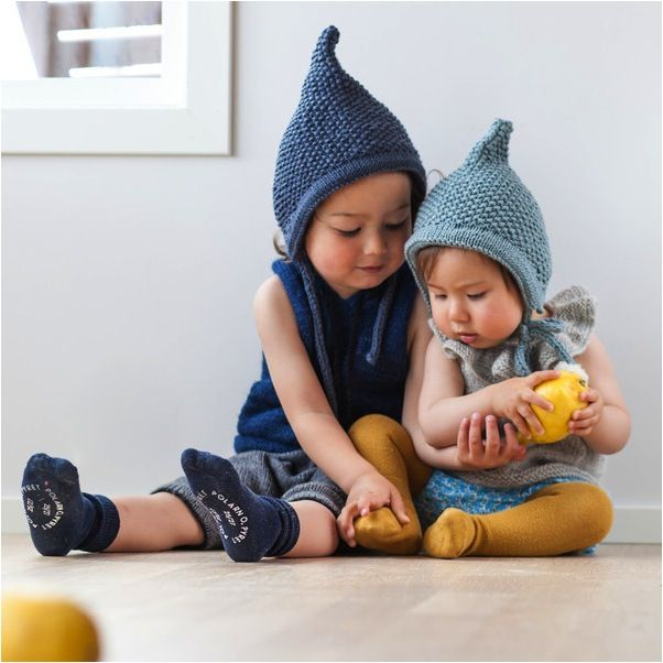 """baby pixie hat knitting pattern"""