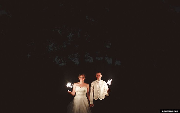 Award-winning photographer Jeffrey Lewis Bennett has been capturing the best moments of people's weddings for more than 10 years, but in 2011 he started experimenting with animated wedding GIFs. | These Glorious Wedding GIFs Will Make You Want Raise Your Wedding Photo Game