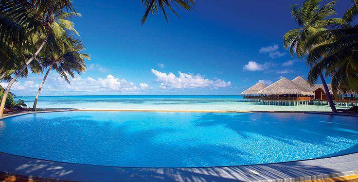 Erhole dich auf den wunderschönen Malediven!  Verbringe 7 bis 14 Nächte im 4-Sterne Hotel Medhufushi Island Resort Maldives. Im Preis ab 2'189.- sind die Vollpension, der Flug und der Transfer mit inbegriffen!  Buche hier deine Luxusferien: https://www.ich-brauche-ferien.ch/ferien-deal-malediven-inkl-flug-und-vollpension-fuer-2189/