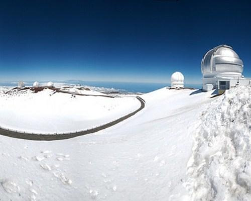 Mauna Kea Hawaii backcountry skiing at 14,000ft summit http://www.hawaiiactive.com/activities/bigisland-stars.html