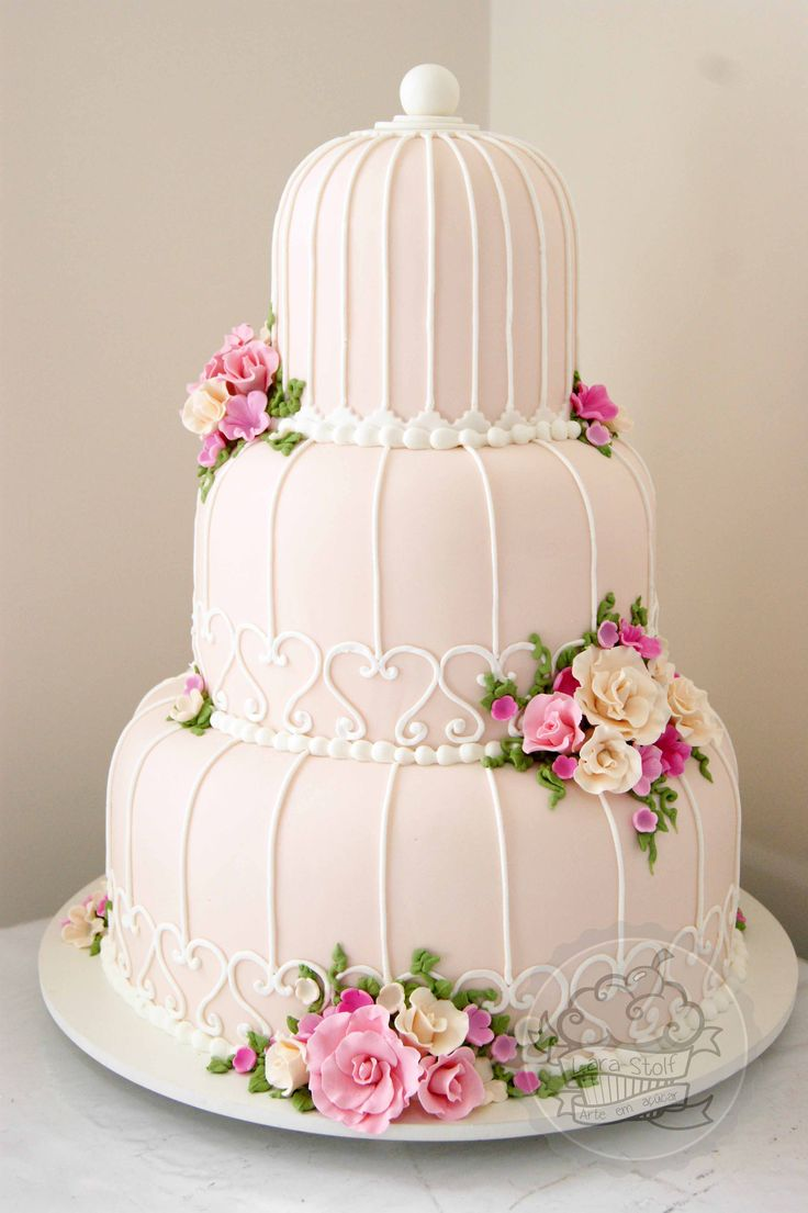 Birdcage wedding cake! I loved making this cake!!