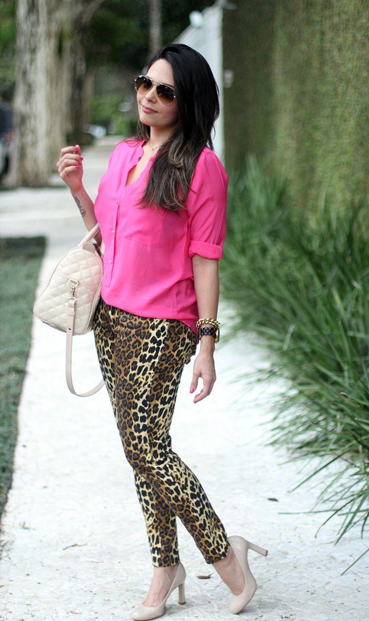 calça oncinha + camisa pink