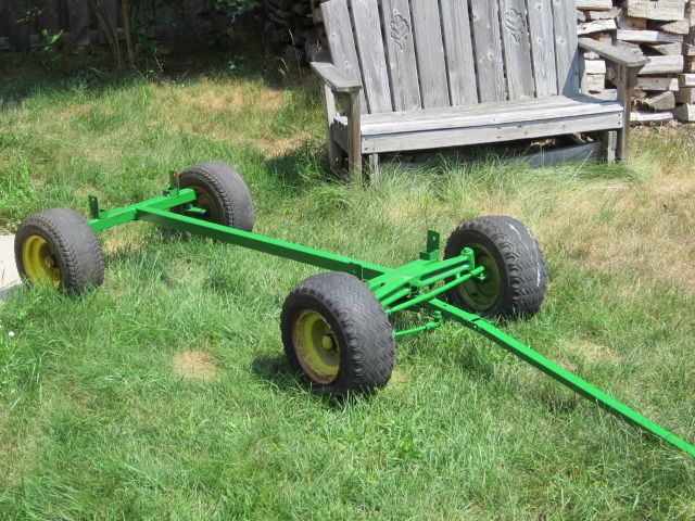 Hay Scissor Lift : Small hay wagon must have tractor things to build