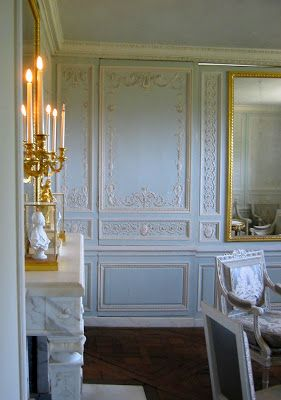 15 Best Colonial Dining Room Images On Pinterest  Future House Extraordinary French Word For Dining Room Design Decoration
