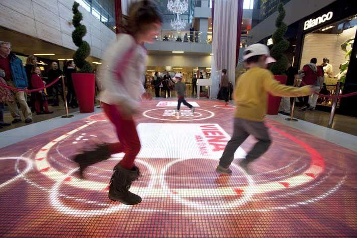 Pantalla de leds de suelo interactiva para promoción Turismo de Viena - Soluciones Audiovisuales: alquiler e instalación para eventos y proyectos en Madrid y Barcelona