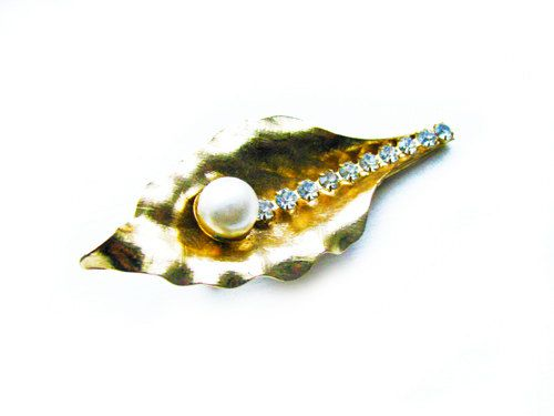Vintage Hair Clip with Pearl and Rhinestones Bridal by MyChouchou, $7.50