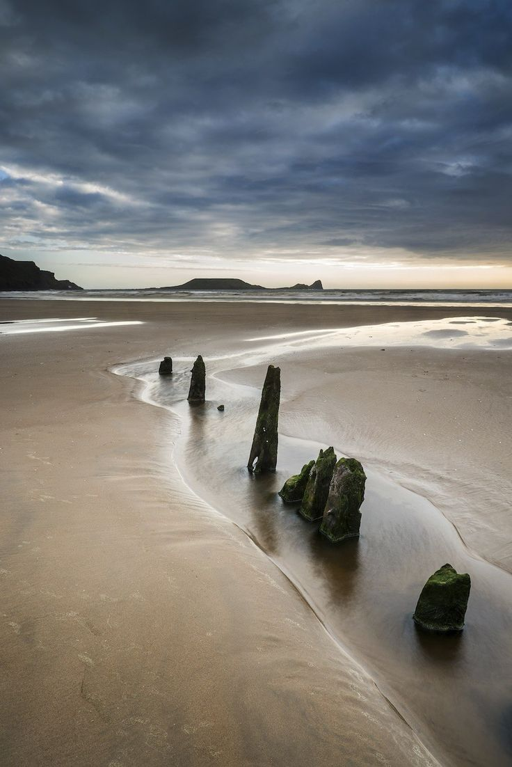 Rhosilli Bay, Swansea | 27 Places In Wales You Won't Believe Are Real