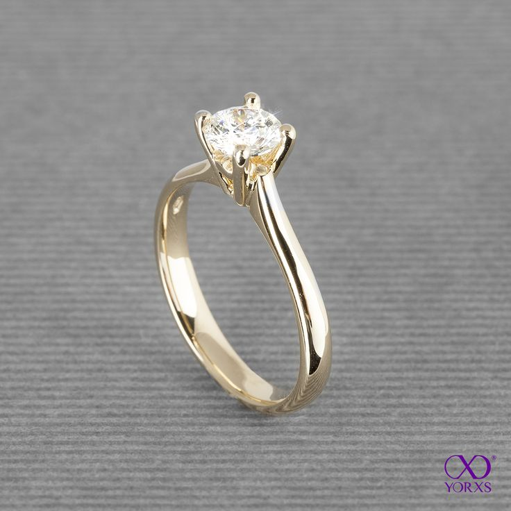 """Amia"" is an engagement ring with a 0.71 ct diamond in yellow gold. #brillant #diamant #diamantring #solitärring #verlobung #verlobungsring #gelbgold #gold #zertifiziert #gia #yorxs"