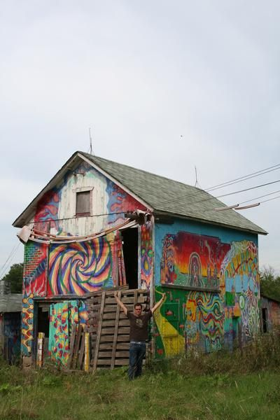 """Abandoned """"Hippy Barn"""" in IL"""