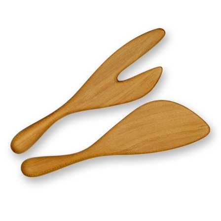 Spade Salad Servers in Queensland Kauri by Bob Gilmour, Port Douglas, Australia    The size of this salad server pair is approx. 11 inch (280mm) so they are considered small to medium. They will work effectively in all size salad bowls, but won't get 'lost' in really big ones. They are also a great shape for using on a shallow salad platter.    Available for purchase @ Forest Treasures on Etsy    http://www.foresttreasures.etsy.com