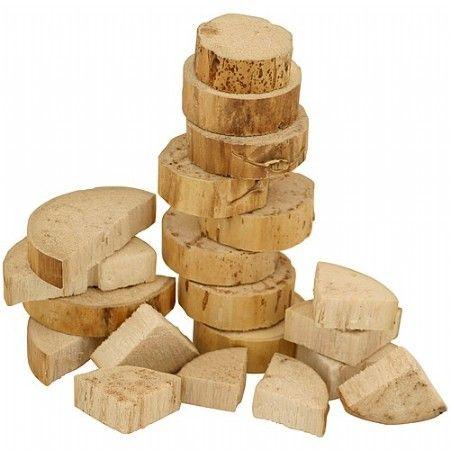 Bird kabob is een van de meest populaire houtsoorten voor kromsnavels.  Dit gedroogde cactus hout is lichter en makkelijker kapot te knagen. Ook voor parkieten en papegaaien die minder van knagen houden. Deze cactus kan helemaal uit elkaar gepluisd en geknaagd worden.  Kromsnavels houden erg van knagen, met deze chips kunt u uw vogel dagelijks iets geven om te knagen.  Kan ook gebruikt worden om speelgoed van te maken!  Voor alle parkieten en papegaaien.