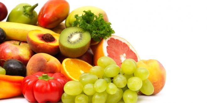 Budino di macedonia e spiedini di frutta