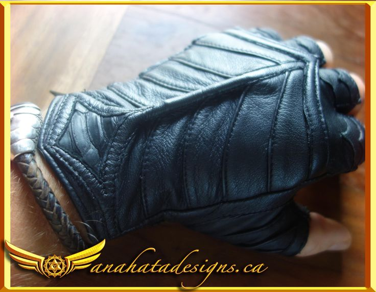 En (Armored) Gloves -  #accessory #gloves #leathergloves #motogloves #motofashion #motorcyclefashion #functionalfashion #pythonleather #python #leatherpanels #darkfashion #alternativefashion #handmadefashion #burningmanfashion #bmfashion #postapocalyptic #steampunk #brasshardware #handmadeleather
