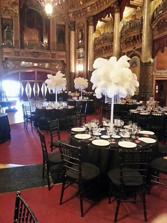 1000 images about amore decor centerpieces on pinterest flower girl basket ostrich feathers. Black Bedroom Furniture Sets. Home Design Ideas