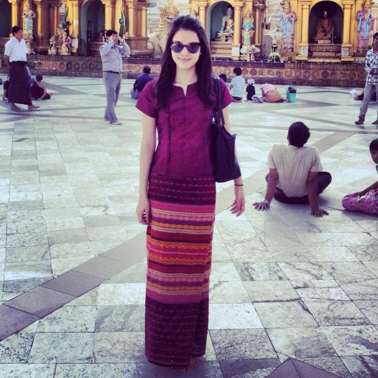 """""""Longyi @ Shwedagon!"""" I loved wearing longyis while I was in Myanmar, and I love wearing them back home, too!"""
