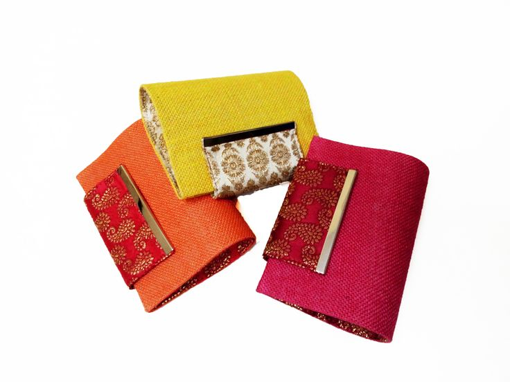 An environment friendly jute mini boat flap clutch for all stylish women who really care for the mother earth