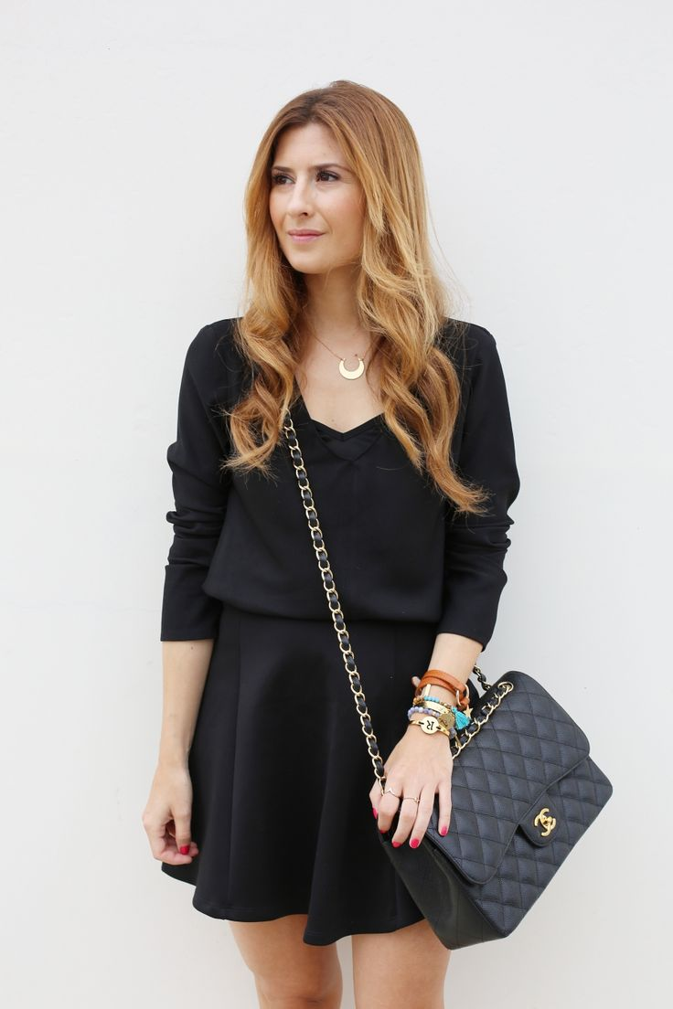 Casual Look. Look en negro. A trendy life. #casual #blacklook #lookinblack #flatformshoes #chanelbag #pull&bear #womensecret #suiteblanco #chanel #lowlitaandyou #fosco #merkalcalzados #outfit #fashionblogger #atrendylife www.atrendylifestyle.com
