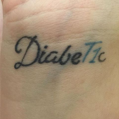 This is Hannah's Diabetes tattoo and she was diagnosed in April 2005.  Kool!! Stay strong my #fantabulousfollowers @_queenhannahh #hope4acure #janellekissesdiabetesgoodbye #showmeyourdiabetestattoo