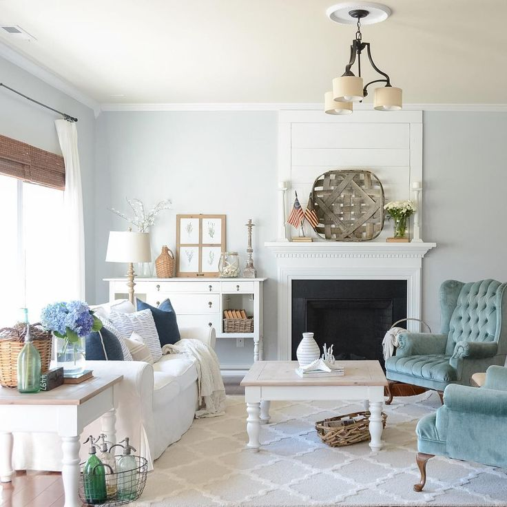 summer living room  white turquoise and navy blue