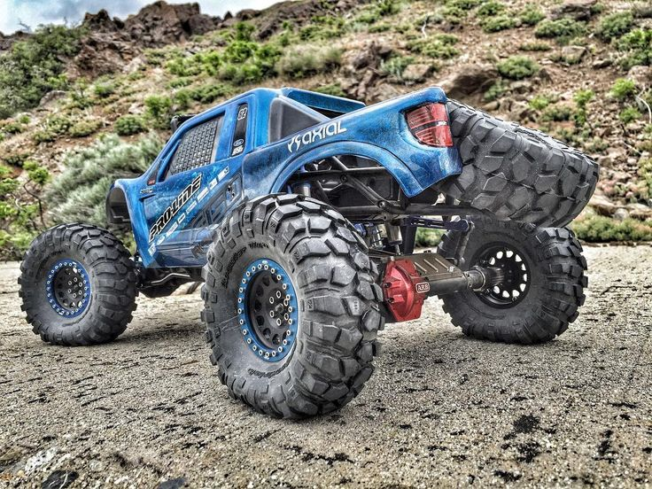Going to be building another one of these learned a few things that will be used on the new Raptor Bombwhat color should the new one be?  #KrawlZoneRC #rc4wd #axial #axialracing #axialadventures #axial #rc #rcscale #kingofthehammers #vanquishproducts #methodracewheels #rigidindustries #darkmtnphoto #offroad #offroadracing #poisonspyder #4x4 #rockracer #crawler #caseycurrie #atees #asiatees #asiateeshobbies #rcneverstops #raptor #fordraptor