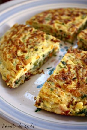 Omelete de legumes caprichada!                                                                                                                                                                                 Mais