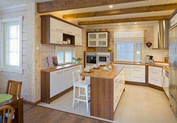 В нем есть все, что нужно для легкой и комфортной жизни: гостиная, кухня, столовая, 4 спальни, 3 гардероба, второй свет, подсобное помещение, сауна и прачечная, 2 санузла, техническое помещение, а также мансарда.