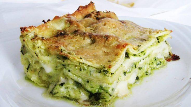 Chi ha detto che per mangiare un buon piatto di lasagne bisogna usare per forza il ragù? Oggi vi do una ricetta facile gustosa e salutare: LASAGNE AL PESTO DI ZUCCHINE In queste lasagne al p…