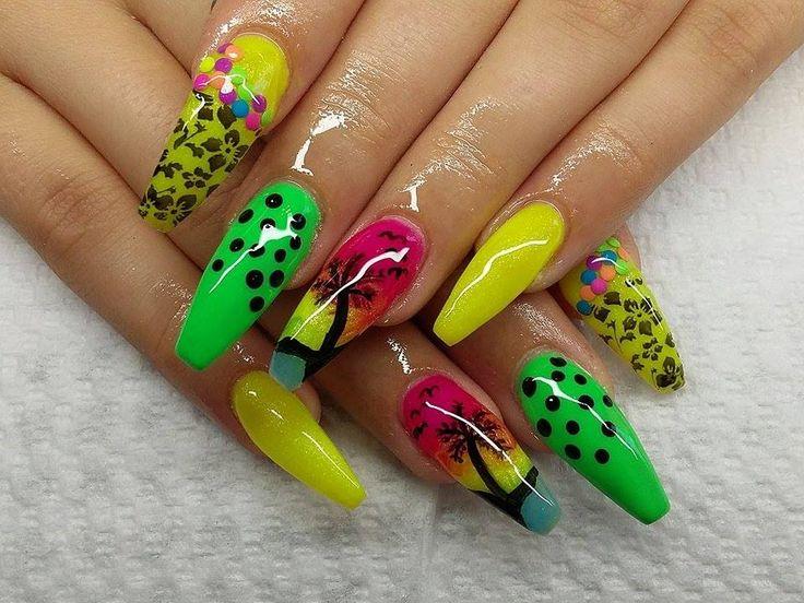 Palm Tree Gel Nails/ Pálmafás zselés körmök