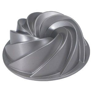 #10: Nordic Ware Platinum Collection Heritage Bundt Pan