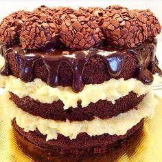 Naked Cake de Brigadeiro Gourmet com Brigadeiro de Coco