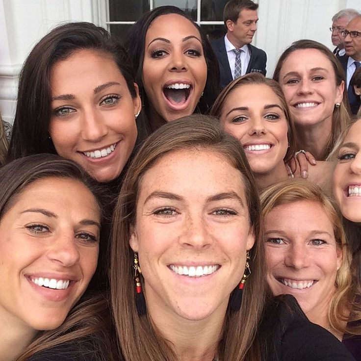 Kelley O'Hara, Carli Lloyd, Lori Chalupny, Christen Press, Alex Morgan, Julie Johnson, Sydney Leroux & Heather O'Reilly