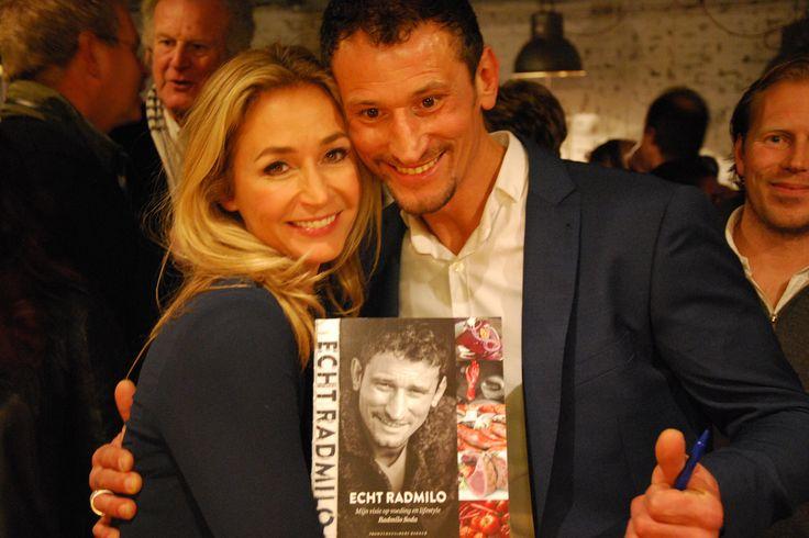 Wendy van Dijk en Radmilo Soda tijdens de boekpresentatie van Radmilo.