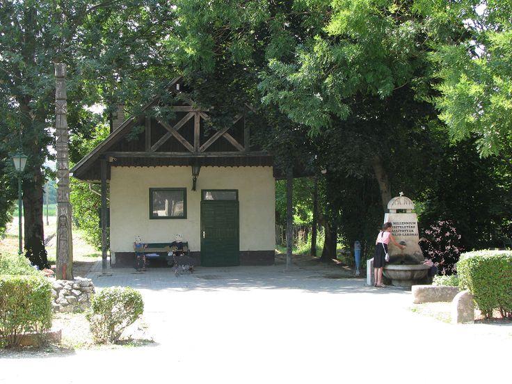 Egykori tejcsarnok (Tabajd) http://www.turabazis.hu/latnivalok_ismerteto_5051 #latnivalo #tabajd #turabazis #hungary #magyarorszag #travel #tura #turista #kirandulas