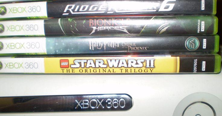 Como reparar a luz vermelha no Xbox 360. Uma luz vermelha brilhante em um Xbox 360 indica uma falha de hardware, geralmente na unidade de DVD ou de disco rígido. O erro em que aparece só uma luz vermelha é de correção relativamente fácil, porque há apenas alguns componentes que precisam ser verificados. Você pode economizar bastante dinheiro consertando o problema sozinho em vez de ...
